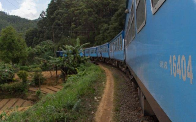 Sri Lanka Sehenswürdigkeiten: Zug fahren in Sri Lanka