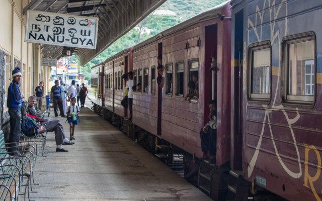 Sri Lanka Sehenswürdigkeit: Bahnhof in Nanu Oya - Zugfahrt