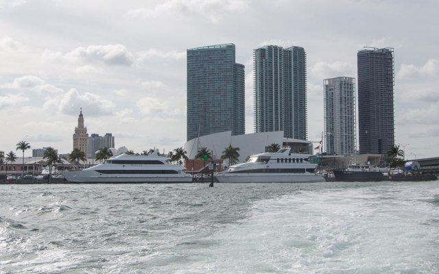 Miami Sehenswürdigkeiten Skyline Bbayside Bootstour