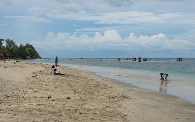 gili-islands-gili-air-strand