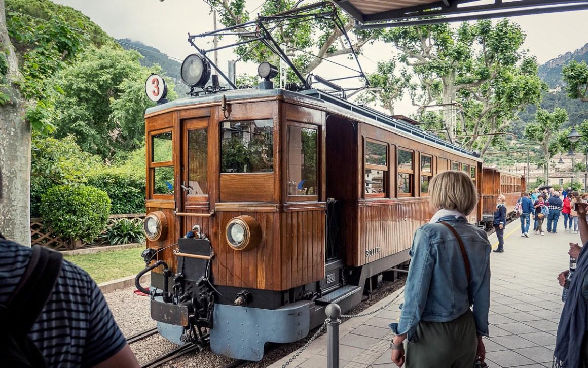 """mallorca-tipps-tren-de-soller-bahnhof """"width ="""" 1200 """"height ="""" 750 """"srcset ="""" https://viel-unterwegs.de/wp-content/uploads/2019/08/mallorca-tipps-tren -de-soller-bahnhof.jpg 1200w, https://viel-unterwegs.de/wp-content/uploads/2019/08/mallorca-tipps-tren-de-soller-bahnhof-500x313.jpg 500w, https: / /viel-unterwegs.de/wp-content/uploads/2019/08/mallorca-tipps-tren-de-soller-bahnhof-768x480.jpg 768w, https://viel-unterwegs.de/wp-content/uploads/ 2019/08 / Mallorca-tipps-tren-de-soller-bahnhof-1024x640.jpg 1024w """"sizes ="""" (max-breedte: 1200px) 100vw, 1200px """"/></noscript data-recalc-dims="""