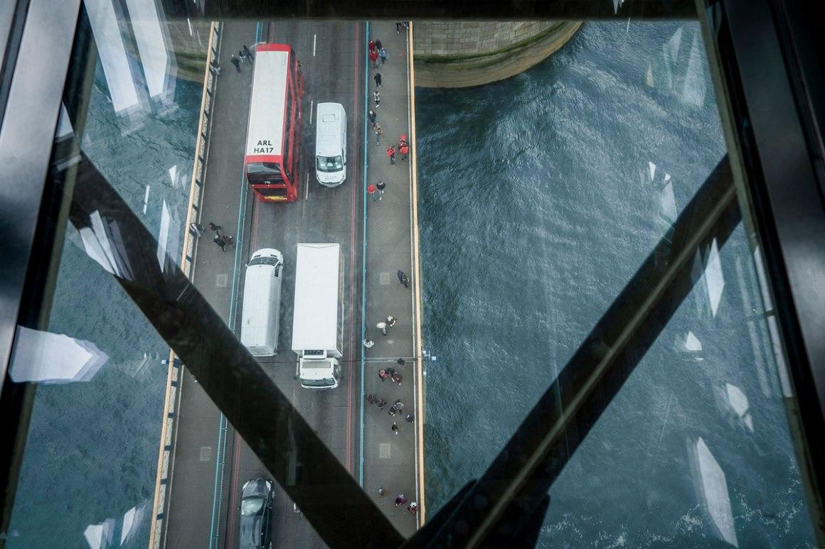 "London Tower Bridge Ervaar glazen vloer ""class ="" lazy lazy-hidden wp-image-42335 ""srcset ="" https://viel-unterwegs.de/wp-content/uploads/2020/01/london-tower-bridge-experience. jpg 1200w, https://viel-unterwegs.de/wp-content/uploads/2020/01/london-tower-bridge-experience-500x333.jpg 500w, https://viel-unterwegs.de/wp-content/ uploads / 2020/01 / london-tower-bridge-experience-768x512.jpg 768w, https://viel-unterwegs.de/wp-content/uploads/2020/01/london-tower-bridge-experience-1024x683.jpg 1024w ""data-lui-maten ="" (max. Breedte: 1200px) 100vw, 1200px"
