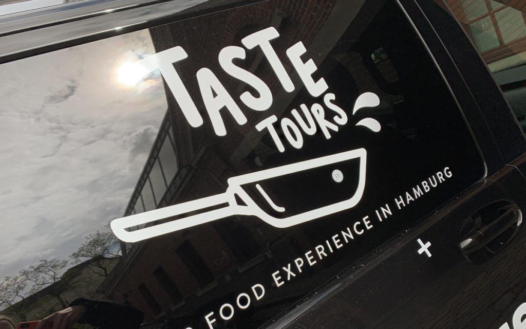 """Stadtfuehrung-taste-tours """"class ="""" lazy lazy-hidden wp-image-43553 """"srcset ="""" https://viel-unterwegs.de/wp-content/uploads/2020/03/stadtfuehrung-taste-tours-1024x640. jpg 1024w, https://viel-unterwegs.de/wp-content/uploads/2020/03/stadtfuehrung-taste-tours-500x313.jpg 500w, https://viel-unterwegs.de/wp-content/uploads/ 2020/03 / city tour-taste-tours-768x480.jpg 768w, https://viel-unterwegs.de/wp-content/uploads/2020/03/stadtfuehrung-taste-tours.jpg 1200w """"data-lui-maten = """"(max. breedte: 1024px) 100vw, 1024px"""