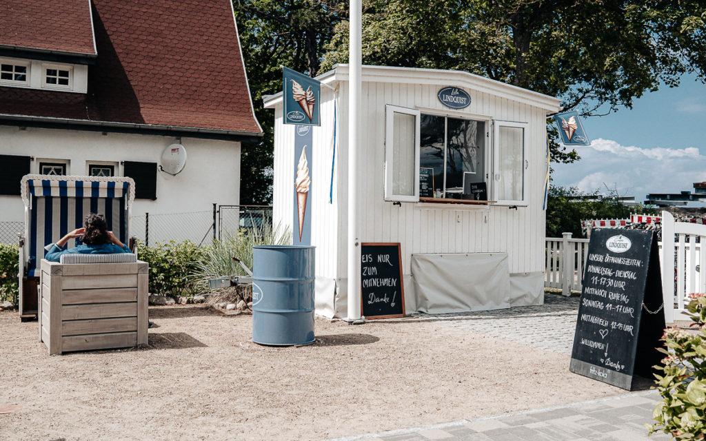 IJs bij Café Lindquist, Boltenhagen