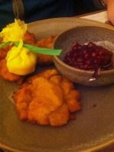 Wiener Schnitzel vom Kalb mit Petersilerdäpfeln € 19,90