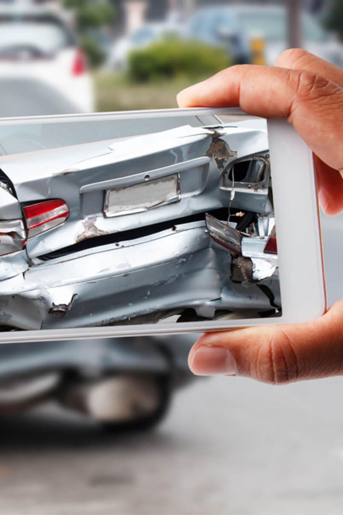 2017 wurde die Rekordzahl von 2,6 Millionen Unfällen in Deutschland registriert, bei 2,3 Millionen Zusammenstößen blieb es zum Glück bei Sachschäden - direkt nach dem Crash