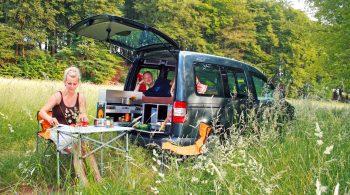 Mini-Camper mit Campingbox