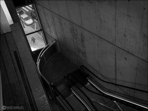 #8 - Museo Pablo Serrano - escalera mecánica y ventana