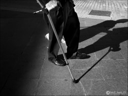 Ayuda en la sombra