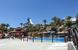 La un pas de moarte în parcul Aqualand Torremolinos