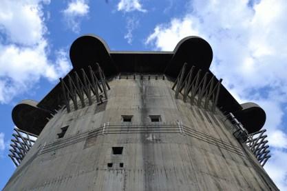 Flakturm (anti-aircraft tower), (CC) Cha già José, https://www.flickr.com/photos/chagiajose/
