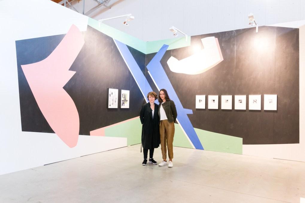 Gallerist Lisa Kandlhofer with artist Frauke Dannert, photo: Kristina Kulakova