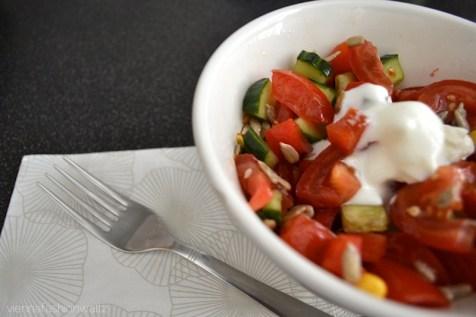Sommersalat mit Tomate und Gurke
