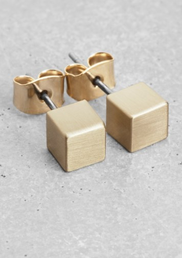 cube earrings € 7,00