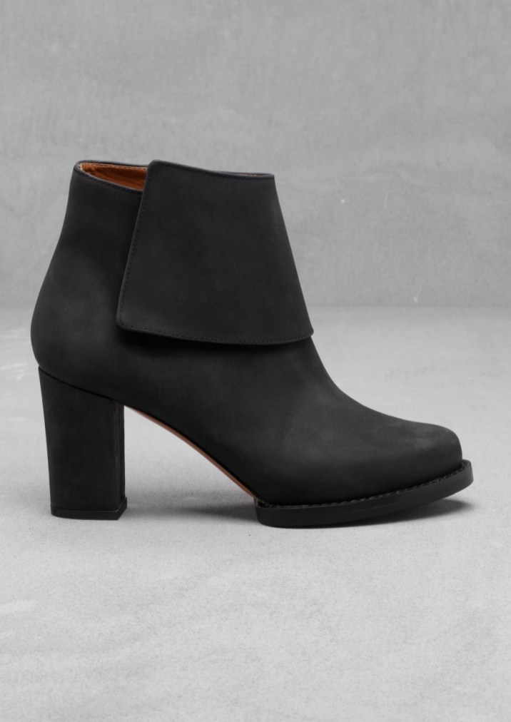 Leather ankle boots € 145,00