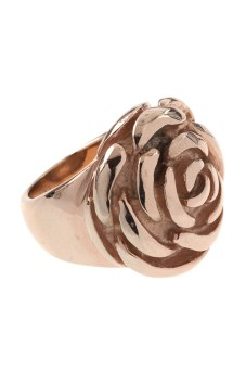 Rosenring von New One 12€ http://www.newone-shop.com/most-wanted/edelstahl-ring-rose-blume-rose-vergoldet.html?listtype=search&searchparam=blume%20ring