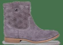 Schlichte Boots von Geox um 130€ http://www.amazon.de/Geox-ELIXIR-D42C7A00022C1006-Damen-Biker/dp/B00DY4DFNI/ref=sr_1_1?s=shoes&ie=UTF8&qid=1397399370&sr=1-1