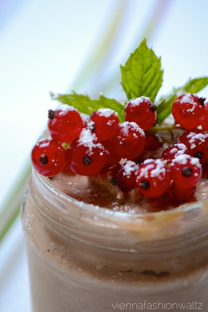 Mousse au Chocolat auf Mangopudding