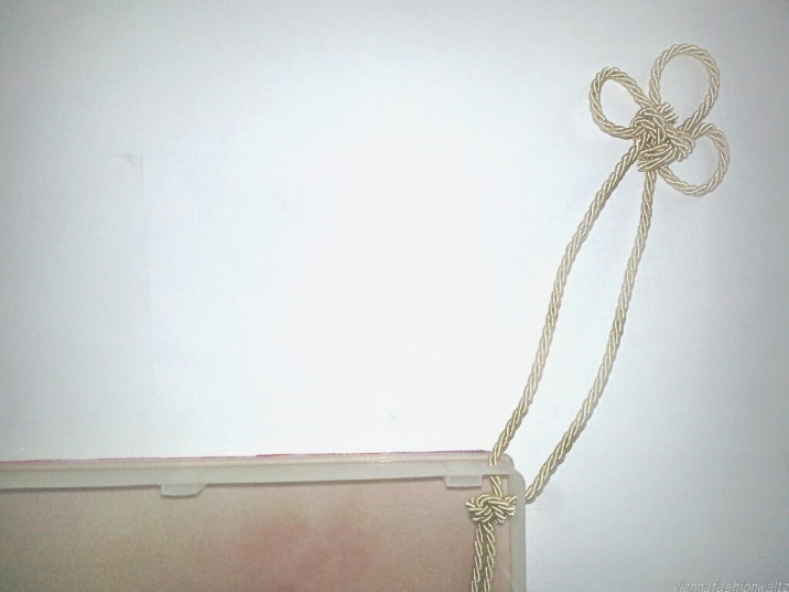 Taschengriff mit Knoten, Innenansicht