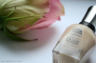 Sally Hansen nagellack Gellack - Vienna Fashion Waltz Lifestyle DIY Fashion Food Blog 4