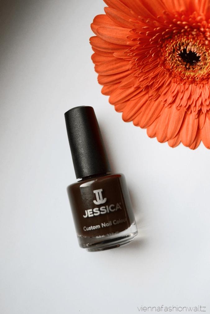 Blog Vienna Fashion Waltz - Jessica Cosmetics Nail Colour Mad for Madison Autumn in New York - Nailcair Nagellack 14