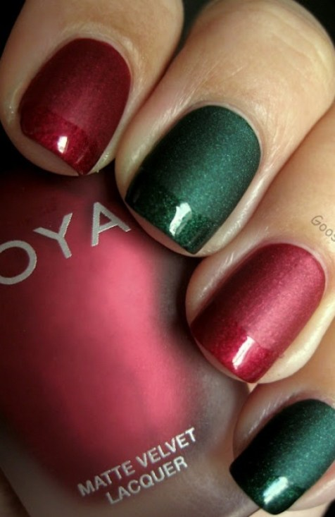 http://www.nailartpretties.com/matte-red-and-green-christmas-nails/