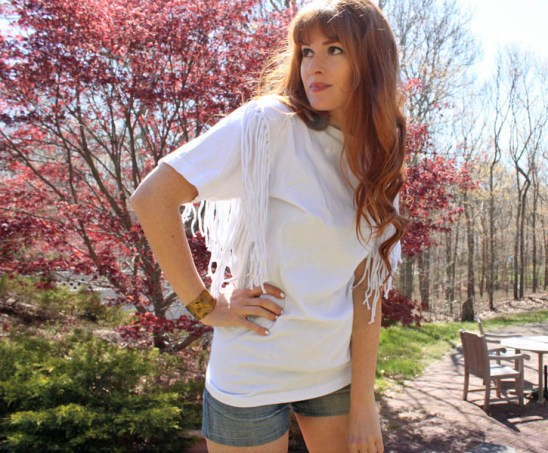 http://www.gina-michele.com/2013/05/diy-free-people-fringe-tee.html