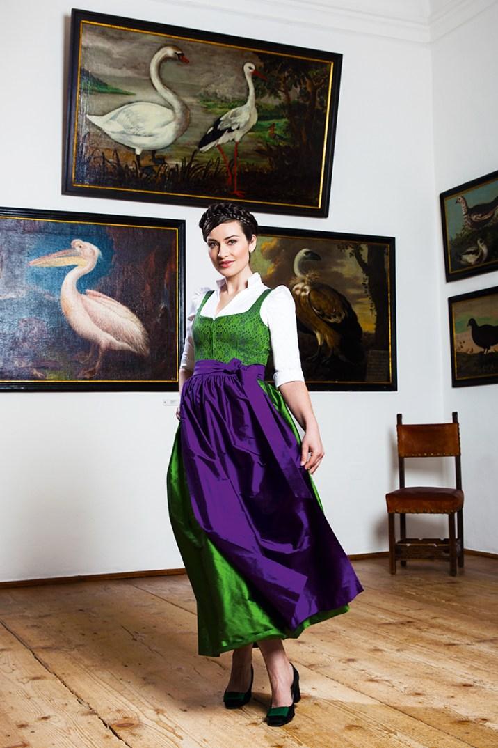 Blog Vienna Fashion Waltz Österreichische Tracht Gössl Gemaelde3 http-_www.goessl.com_fest-217_action_detail_item_gemaelde.html