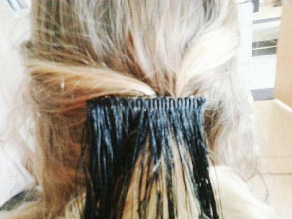 Ohrringe und Haarspange mit Fransen