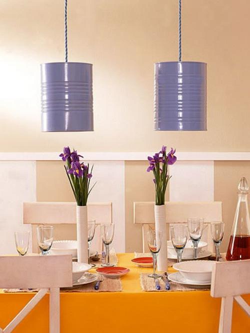 Dosen upcycled! http://freshideen.com/wp-content/uploads/2013/12/Do-it-yourself-Wohnideen-h%C3%A4ngelampen-lila-bemalt.jpg