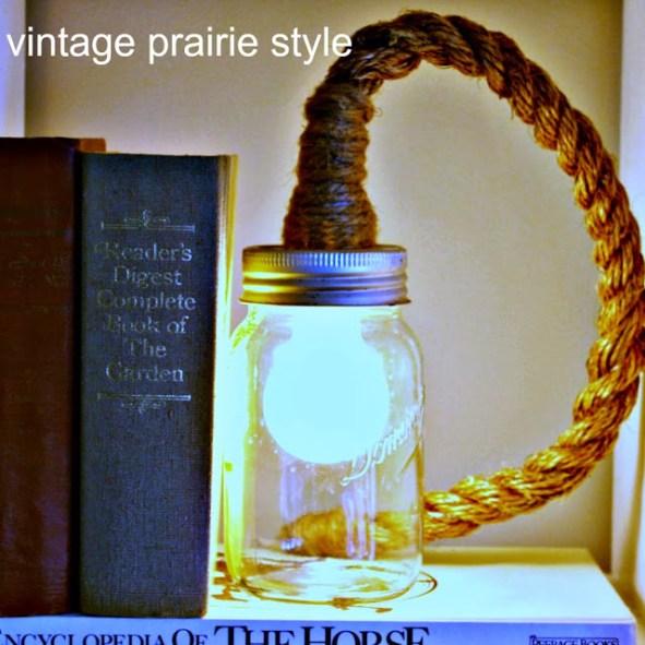 http://vintageprairiestyle.blogspot.de/2012/06/diy-mason-jar-rope-light.html