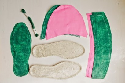 http://curiousandcatcat.blogspot.co.at/2014/08/diy-melon-espadrilles.html