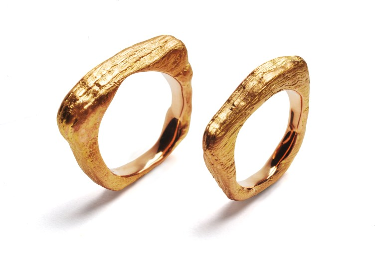 Urkraftringe in 18kt fairem Gold ab 2800€ pro Ring