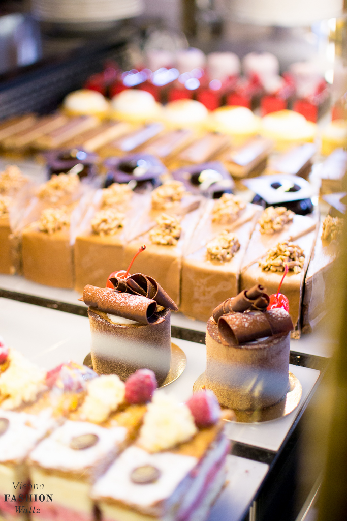 Lokaltipp: Frühstück im Café Central | Das Wiener Kaffeehaus - Patisserie, Dessert, Wiener Mehlspeise