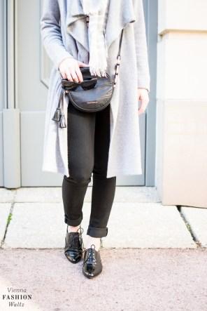 fashion-food-lifestyle-blog-wien-austria-oesterreich-www-viennafashionwaltz-com-cozy-knits-comma-cardigan-hm-schal-coccinelle-tasche-tkmaxx-esprit-jeans-28-von-37