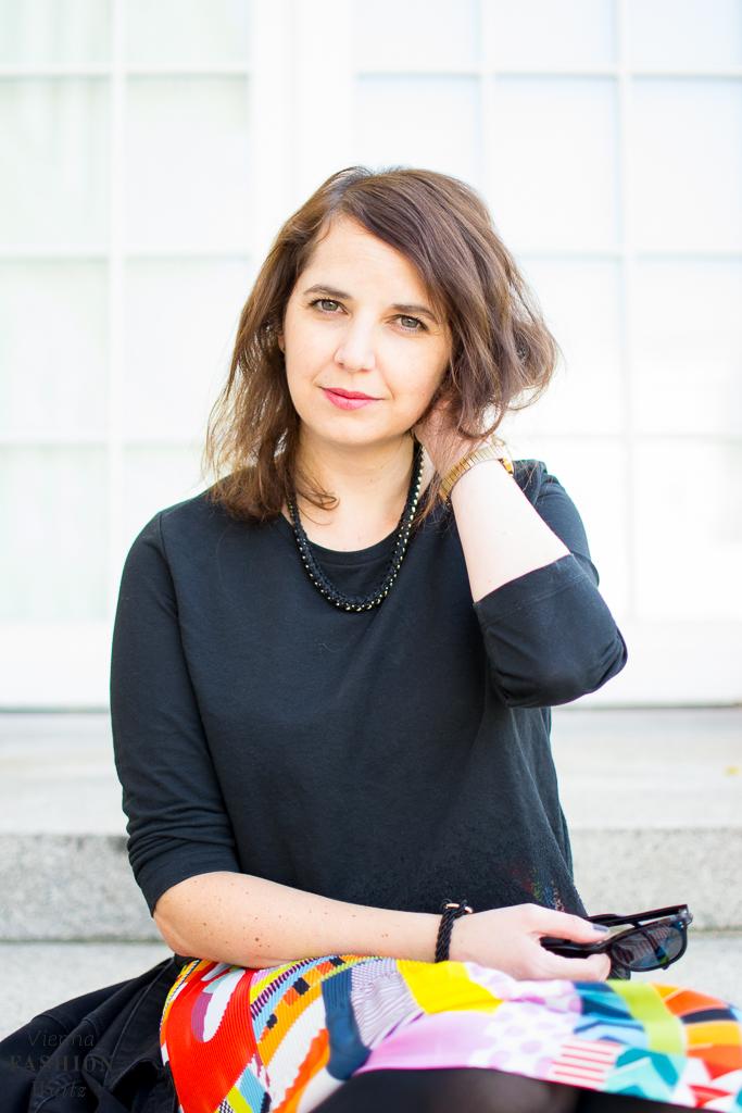 fashion-lifestyle-blog-wien-austria-www-viennafashionwaltz-com-plisseerock-11-von-56