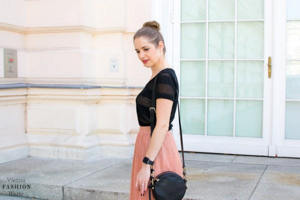 fashion-lifestyle-blog-wien-austria-www-viennafashionwaltz-com-plisseerock-18-von-56