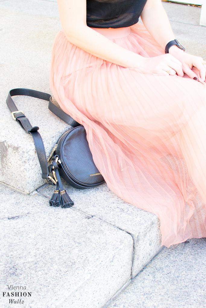 fashion-lifestyle-blog-wien-austria-www-viennafashionwaltz-com-plisseerock-34-von-56