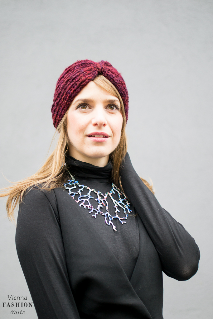 fashion-food-lifestyle-blog-wien-austria-oesterreich-www-viennafashionwaltz-com-all-black-outfit-look-black-dress-46-von-50