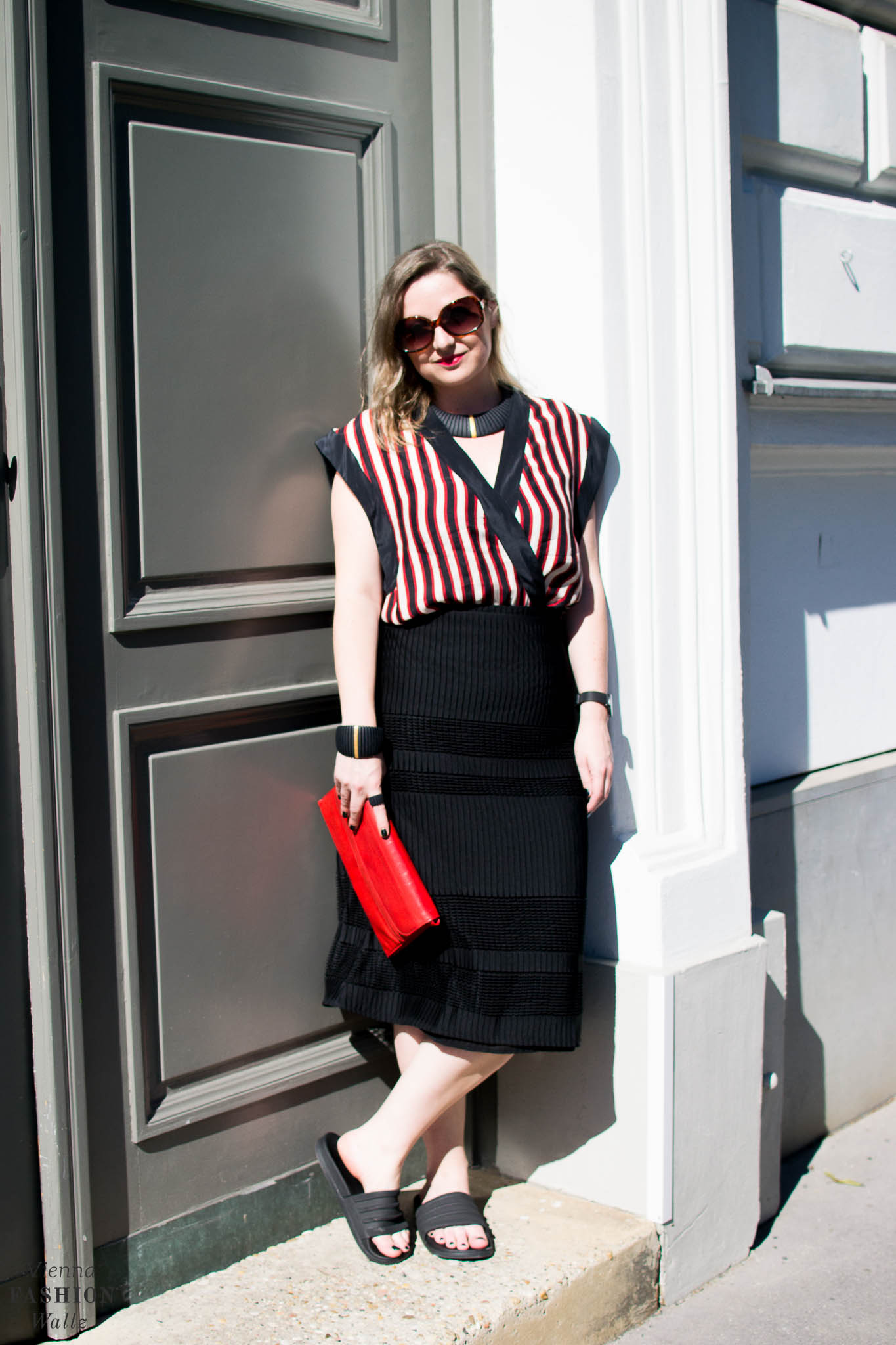 Summer Stripes, Blogger Outfit, Bold Stripes, 3D Jewellery, Dario Scapitta Design, Bally Bag, Vienna www.viennafashionwaltz.com
