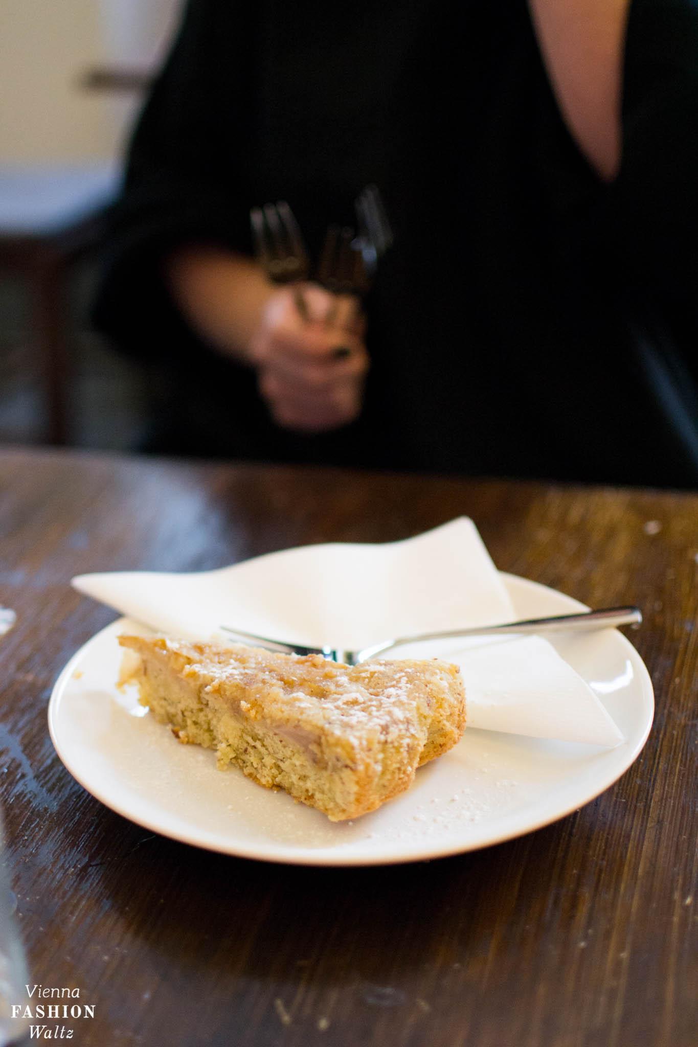 Frühstück im Café Einfahrt | Lokal-Tipp Wien | Birnenkuchen