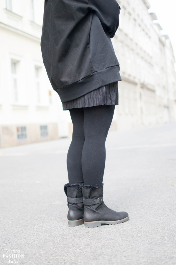 Fashion Trend: Sweater | Oversize Hoodie Sweater und Statement Boots Outfit, Zara Hoodie