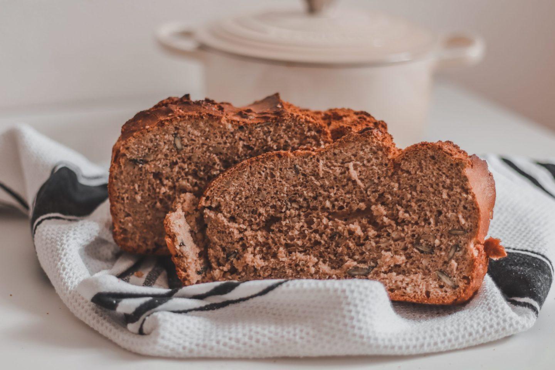 Einfaches veganes Dinkelvollkornbrot mit Hefe Blog Food Brot backen Germ viennafashionwaltz
