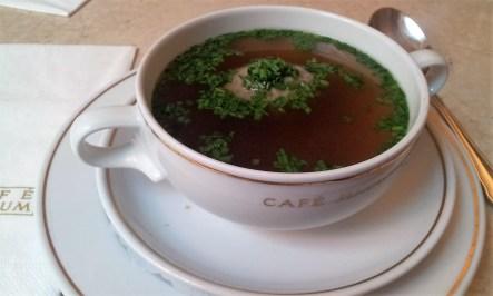 The Lebeknödelsuppe (liver dumpling soup)