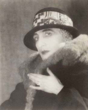 man-ray-rrose-selavy-marcel-duchamp-19231