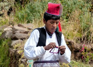 homme en costume traditionnel