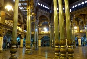 Palais de Mysore avec ses colonnes dorées