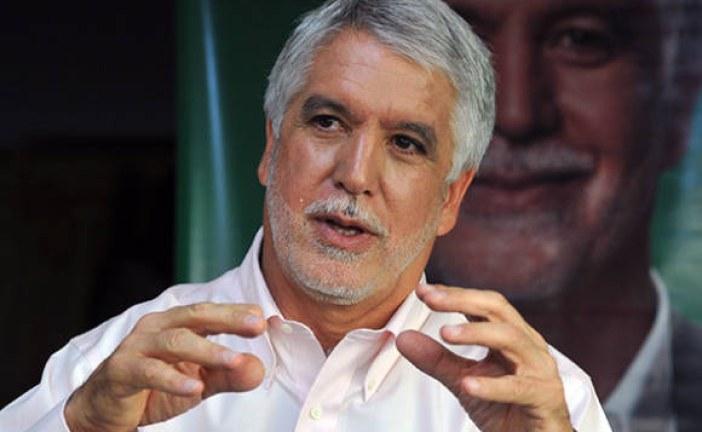 Enríque Peñalosa admite que parte de proyecto urbano se contruirá en reserva natural