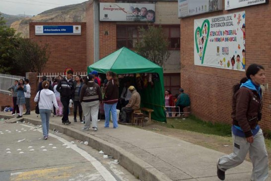 Feria de empleo en el barrio Arborizadora Alta de Ciudad Bolívar