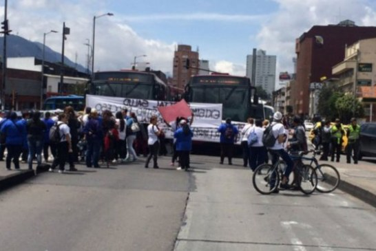 Cierran tres estaciones de TransMilenio por manifestaciones en el norte de Bogotá